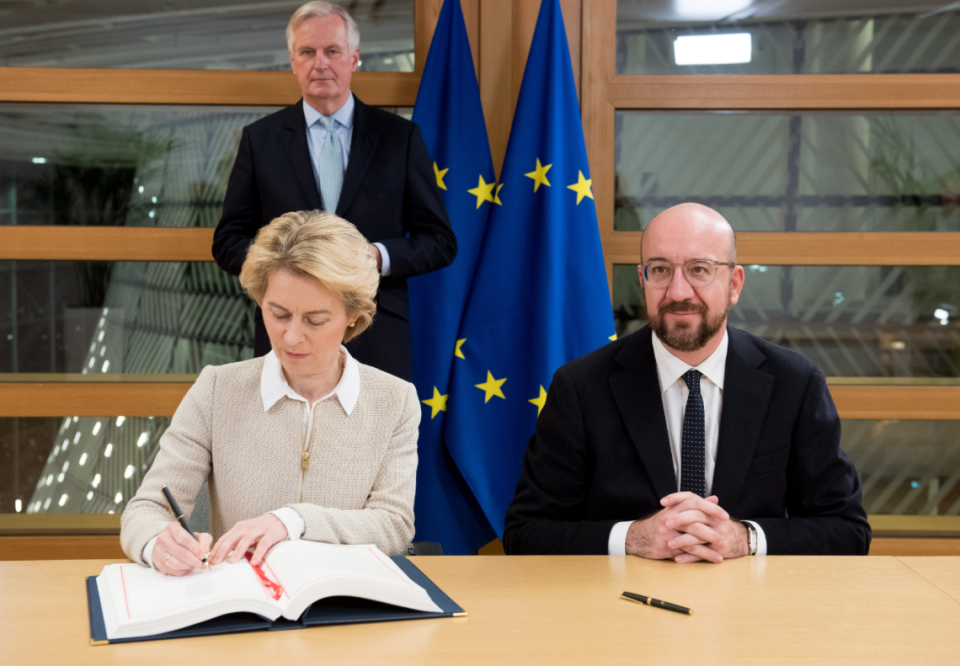 Ursula von der Leyen, a German politician and the President of the European Commission since 1 December 2019, signs the Agreement. Credit to The Sun
