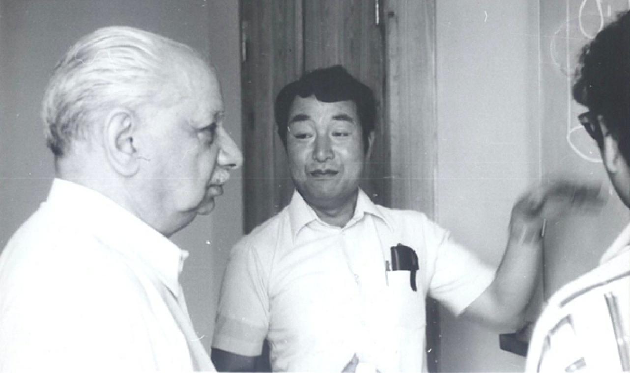 05 Elephter Andronikashvili and Kazumi Maki in Tbilisi, August 1979. Retrieved from the digital archives of TSU Institute of Physics