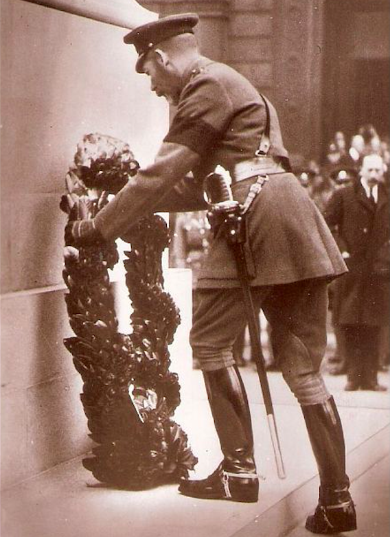 King George V at the Cenotaph places the first wreath on 11 November 1919. Credit: Dave Hill/Stories of London