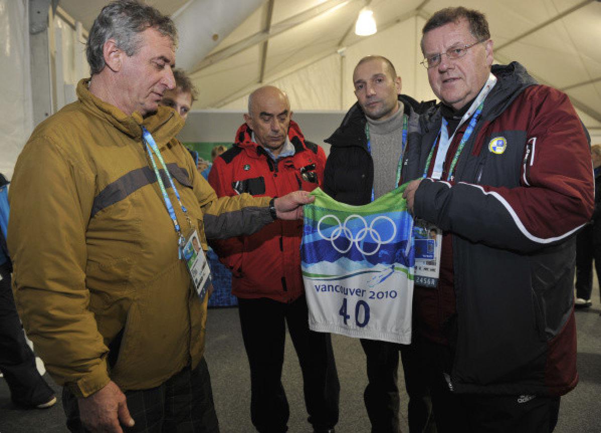 Felix Kumaritashvili (far left). Credit to The Chveni Borjomi